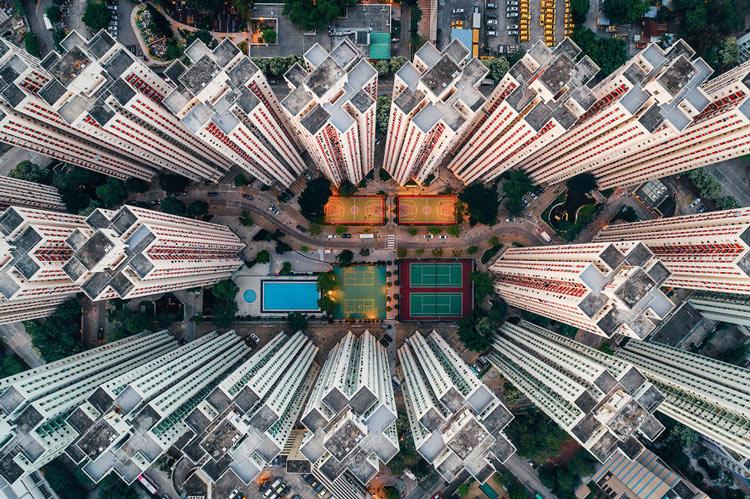 Những tòa cao ốc Hồng Kông nhìn từ trên... trời - 1