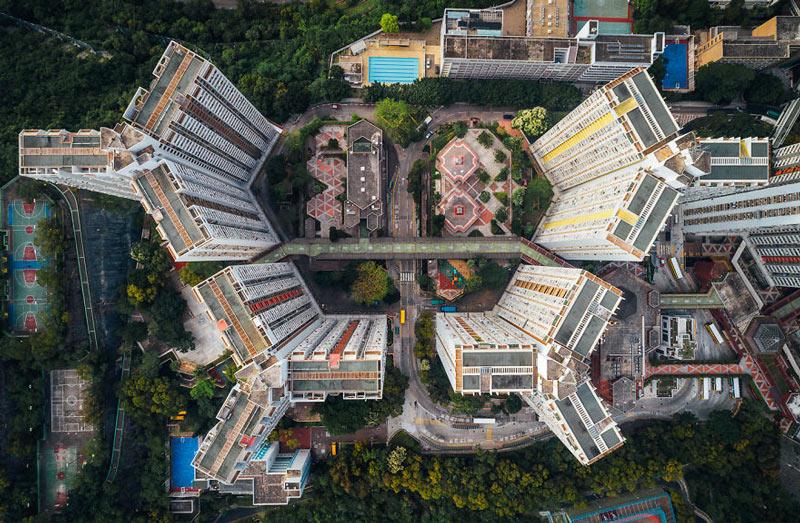 Những tòa cao ốc Hồng Kông nhìn từ trên... trời - 7