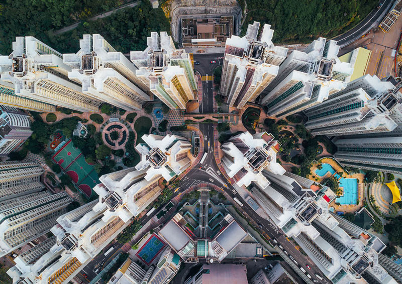 Những tòa cao ốc Hồng Kông nhìn từ trên... trời - 6