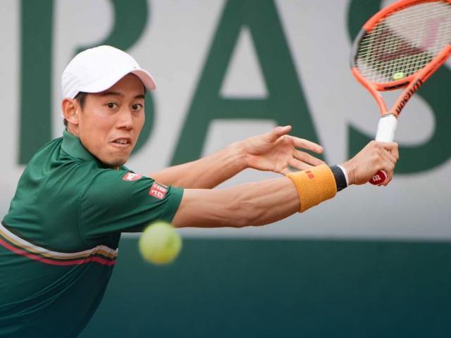 Roland Garros ngày 8: Nishikori vất vả đi tiếp, Raonic bị loại