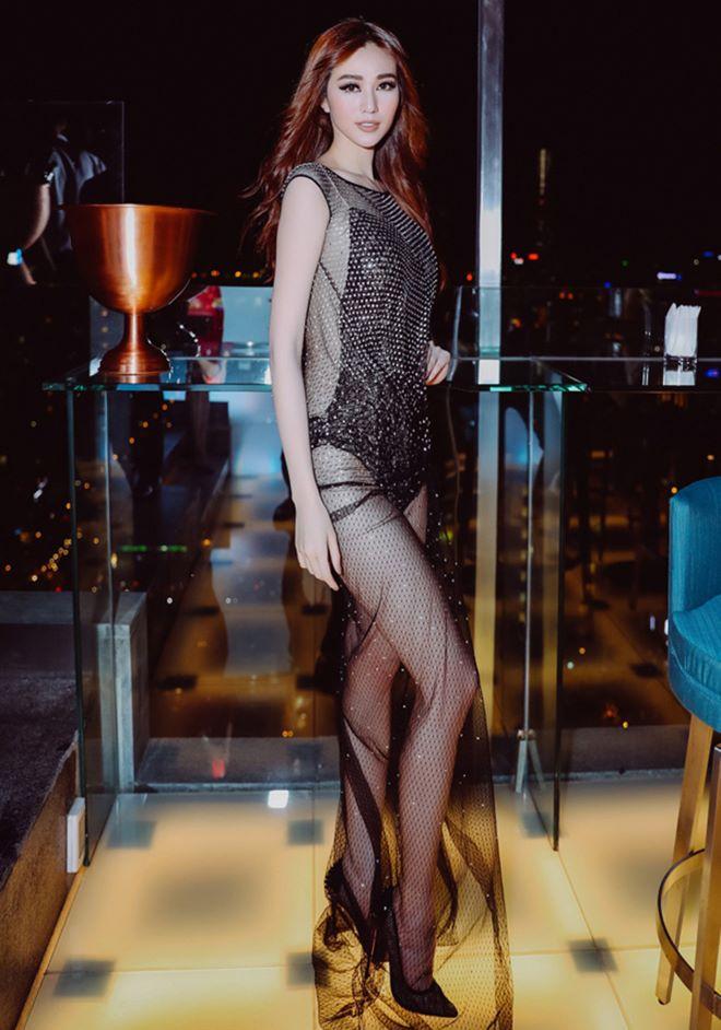 2 chiếc váy hở 90% cơ thể của Khánh My và Kendall Jenner - 1