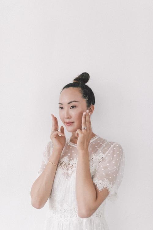 Nếu chưa biết bôi kem dưỡng đúng điệu, học ngay blogger gốc Hàn! - 2