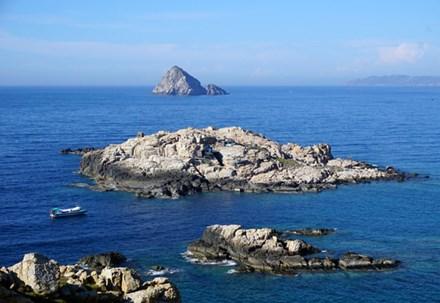 Đảo yến Hòn Nội và bãi tắm đôi có một không hai - 4