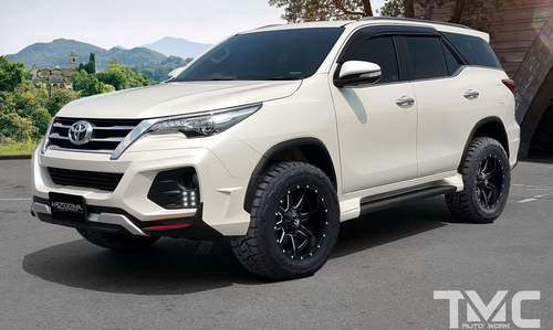 Ngắm Toyota Fortuner mạnh mẽ với gói độ Vazooma-X - 1