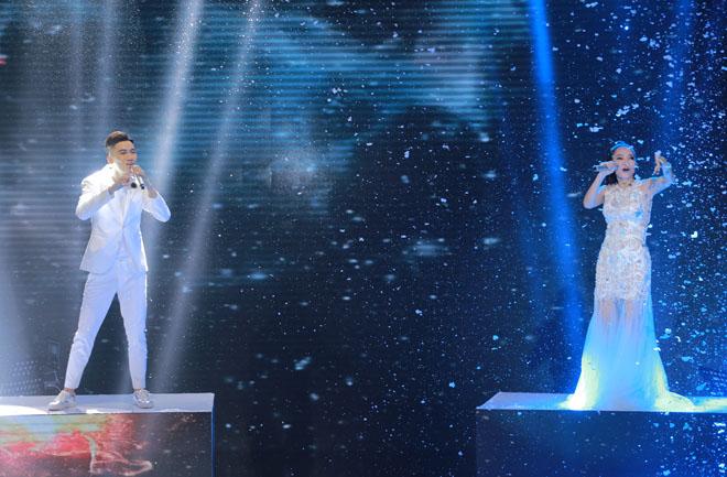 """Thu Minh đáp trả tin giúp """"gà"""" của ban tổ chức đăng quang The Voice - 2"""