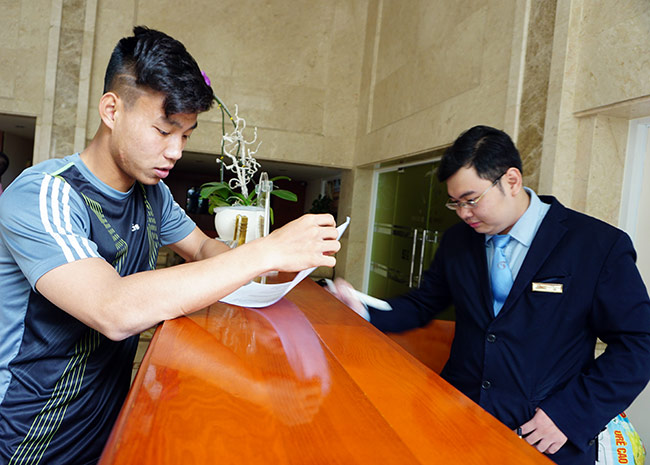 """Công Phượng khoe tóc mới """"cực chất"""" lên hội quân đội tuyển Việt Nam - 3"""
