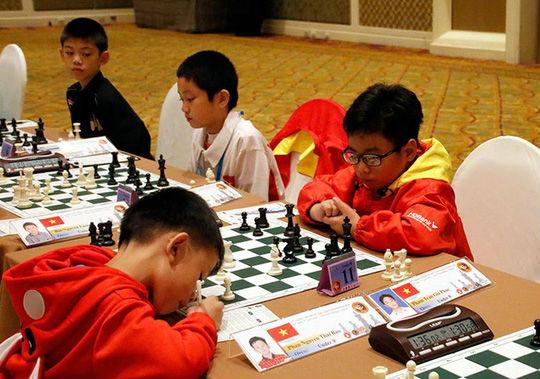 Kỳ thủ nhí làm rạng danh cờ vua Việt - 1