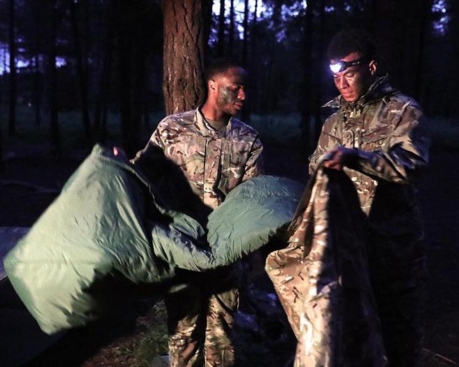 """Cực độc: ĐT Anh """"nhập ngũ"""", khổ luyện với Thủy quân lục chiến - 5"""