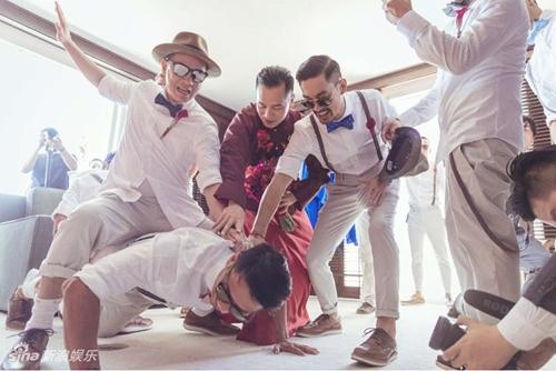 Mỹ nữ Tây Du Ký say đắm hôn tỷ phú USD trong lễ cưới chính thức - 16