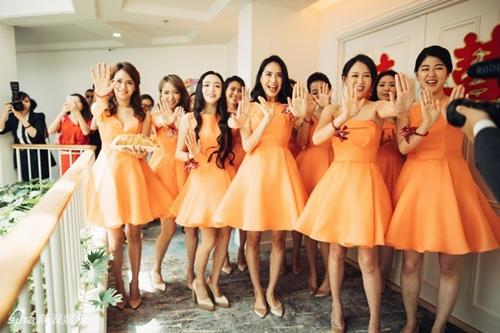 Mỹ nữ Tây Du Ký say đắm hôn tỷ phú USD trong lễ cưới chính thức - 19
