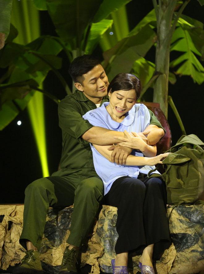 Quý Bình lấy nước mắt khán giả khi vừa diễn kịch, vừa hát Bolero - 1
