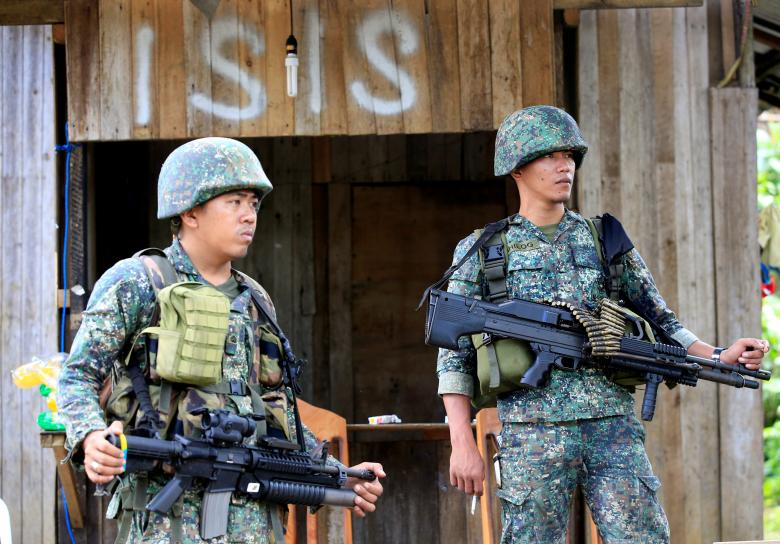 IS tích trữ đồ ăn, vũ khí, quyết cố thủ tại Philippines - 1