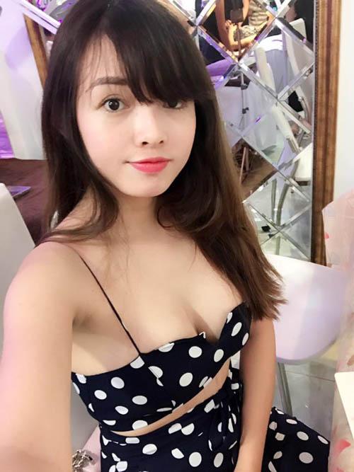 """Vợ Lê Hoàng ở nhà cực táo bạo khiến gái còn son """"phát hờn"""" - 2"""