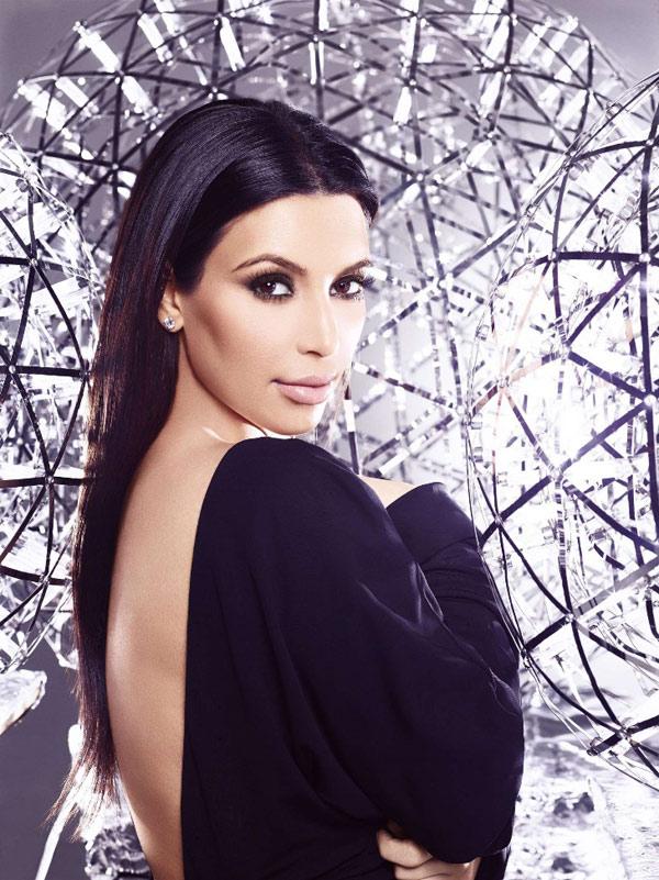 Học Kim Kardashian làm đẹp hiệu quả - 1