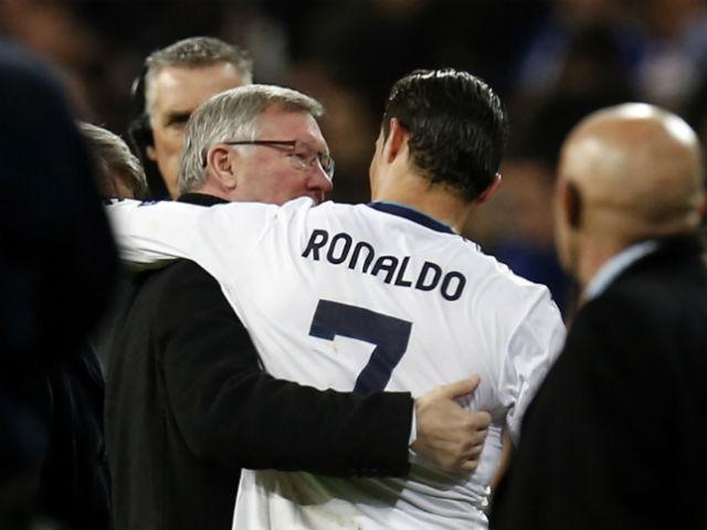 Chuyển nhượng MU, Mourinho muốn mua Ronaldo: Có phải trò đùa?