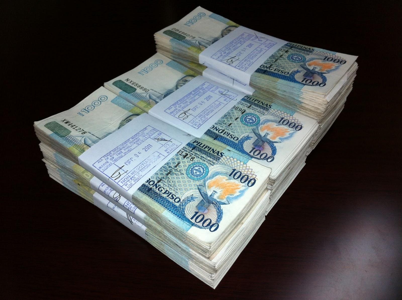 Chạy trốn lính Philippines, IS bỏ lại đống tiền 36 tỷ đồng - 2