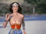 """Phim - Dàn mỹ nhân Wonder Woman """"không cần động thủ, kẻ thù xin chết"""""""