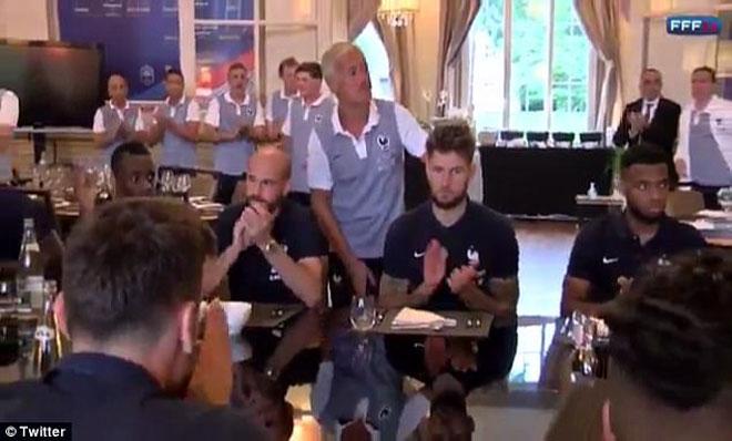 Real vô địch cúp C1, Griezmann ghen tị ngó lơ Varane - 4