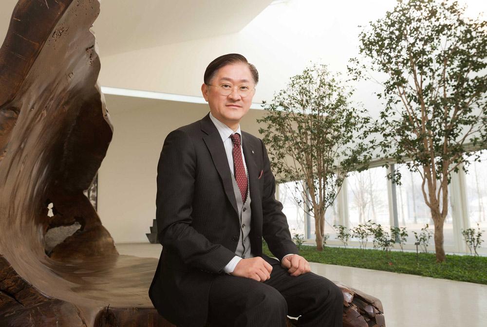 Bí quyết thành công của ông trùm mỹ phẩm giàu thứ 2 Hàn Quốc - 2