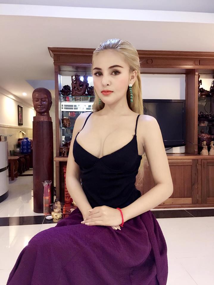 Nữ diễn viên bị cấm diễn vì quá sexy đang sống thế nào sau án phạt gây tranh cãi? - 13