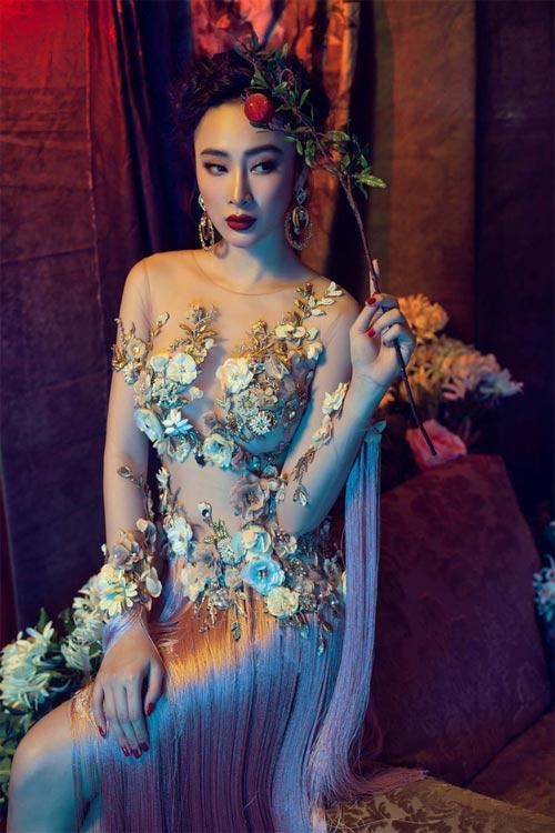 """10 bộ đồ mỏng tang gây """"bão táp"""" của Angela Phương Trinh - 6"""