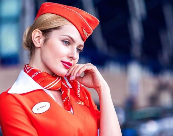 Tiếp viên hàng không Nga đã đẹp như hoa hậu còn quá dẻo - 1