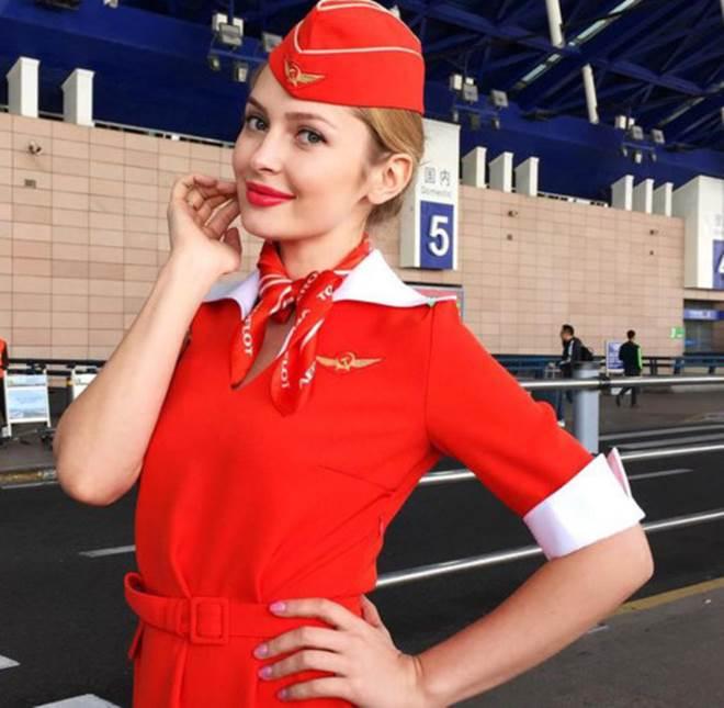 Tiếp viên hàng không Nga đã đẹp như hoa hậu còn quá dẻo - 2