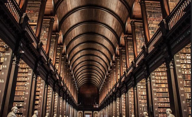 1. Thư viện Đại học Trinity, Ai Len