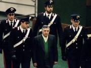 Bố già của mọi bố già  ở Ý bất ngờ được ra tù trước hạn