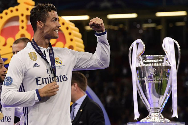 """Lập cú đúp cúp C1, """"Vua"""" Ronaldo kiếm tiền số 1 thế giới - 1"""