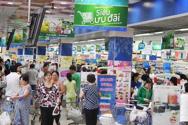 Siêu thị Co.opmart cả nước giảm giá mạnh 3 ngày cuối tuần - 1