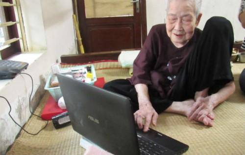 "Cụ bà 93 tuổi ""sành internet nhất VN"" qua lời kể của con dâu - 3"
