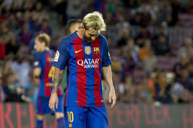"""Messi """"hành"""" Barca: Lương khủng, Bóng vàng & dìm Neymar - 1"""