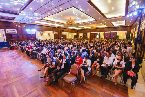Sự kiện Questra World Leadership được tổ chức tại Việt Nam - 1