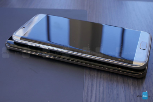 """""""Hai anh em"""" Galaxy S8+ và Galaxy S7 Edge có gì khác? - 3"""