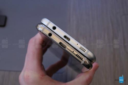 """""""Hai anh em"""" Galaxy S8+ và Galaxy S7 Edge có gì khác? - 5"""