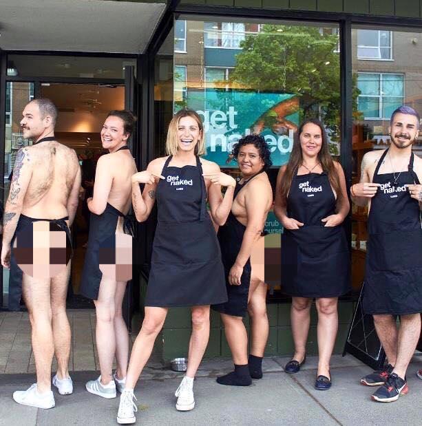 Canada: Cả công ty khỏa thân đi làm để bảo vệ môi trường - 2