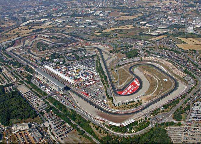 Đua xe MotoGP: Đại chiến ở Barcelona và ám ảnh cái chết thương tâm - 1