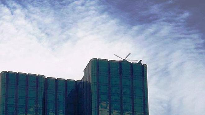 Người dân ngỡ ngàng thấy trực thăng xuất hiện trên nóc nhà ở SG - 3