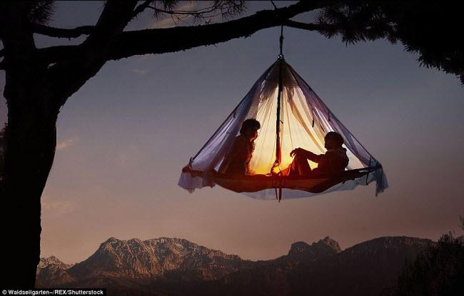 Những điểm cắm trại nguy hiếm nhất thế giới - 1