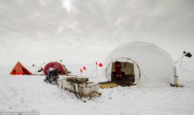 Những điểm cắm trại nguy hiếm nhất thế giới - 9