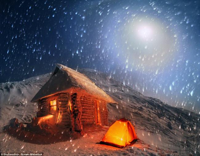 Những điểm cắm trại nguy hiếm nhất thế giới - 7