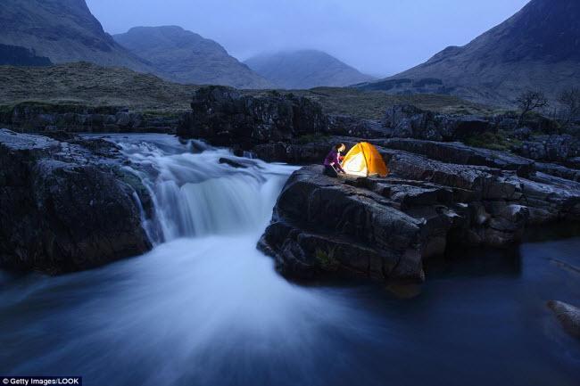 Những điểm cắm trại nguy hiếm nhất thế giới - 13