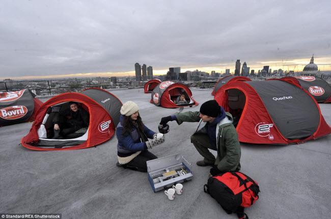 Những điểm cắm trại nguy hiếm nhất thế giới - 12