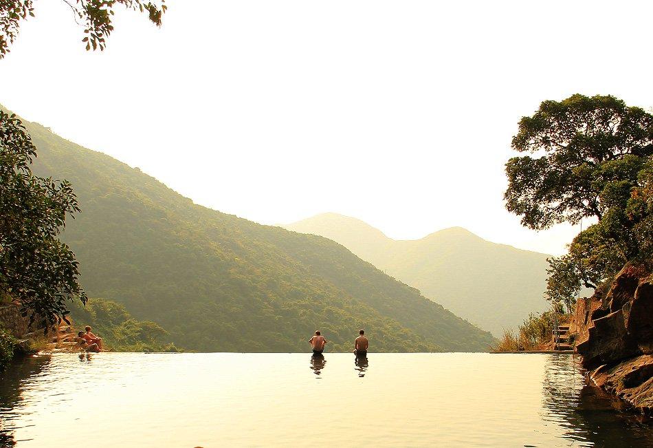 Thả hồn giữa những hồ bơi vô cực tự nhiên đẹp xuất sắc - 4