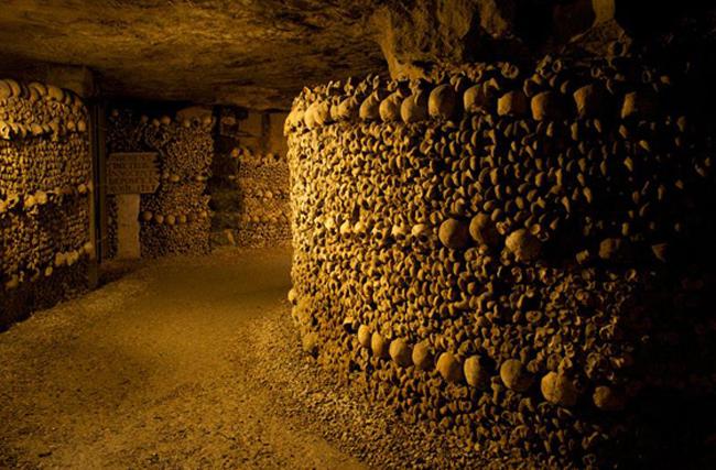 1. Hầm mộ Paris -Nghĩa địa lớn nhất thế giới