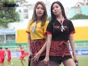"""Bóng đá - Dàn hot girl Hàn Quốc """"đốn tim"""" khán giả sân Thống Nhất"""