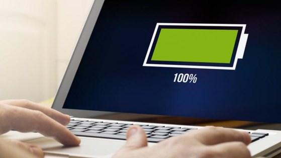 Cần làm gì khi không thể sạc pin cho laptop? - 1