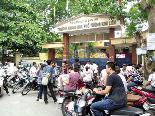 Kỳ thi vào 10 THPT tại Hà Nội: Điểm chuẩn có thể tăng nhẹ? - 1