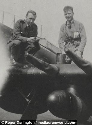 Phi công sát thủ Anh hạ 15 máy bay Đức trong 3 tháng - 2